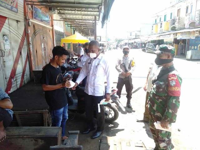 Patroli Skala Besar, Polres Aceh Timur Gelar Operasi Yustisi dan Bagikan Masker Gratis