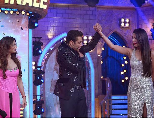 "Salmaan Khan announcing the name of the winner of Bigg Boss Season 7, ""Gauhar Khan"""