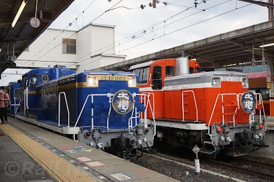 鬼怒川温泉駅でのDE10形1109号機と1099号機のツーショット