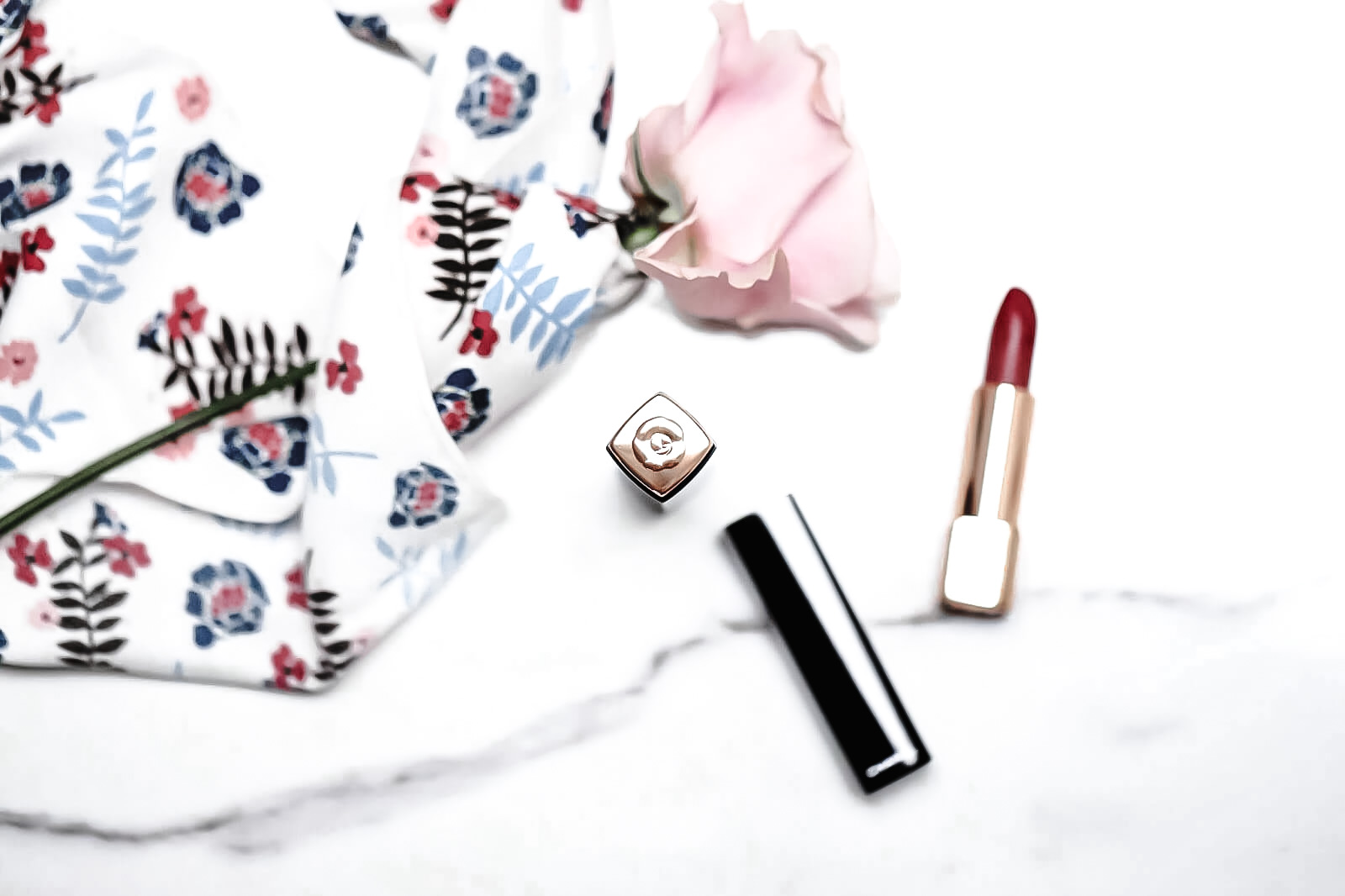 Chanel Rouge Allure Camélia swatch