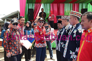Parosil Buka Festival Beguai Jejama di Pekon Way Ngison