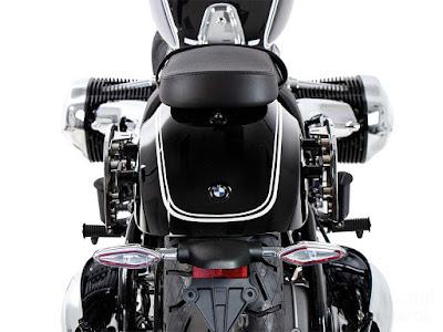 ヘプコ&ベッカー サイドソフトケースホルダー(キャリア)「C-Bow」 BMW R18('20-)
