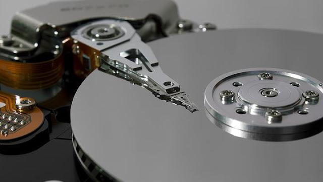 Perbedaan SSD dan HDD dari Efek Pemakaian
