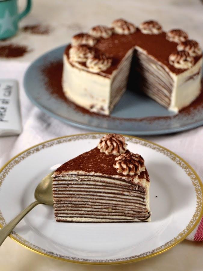 Tarta de crepes de chocolate y nata (crema de leche)