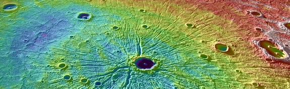 Một miệng núi lửa trên bề mặt Sao Thủy chụp bởi tàu MESSENGER. Credit: NASA.