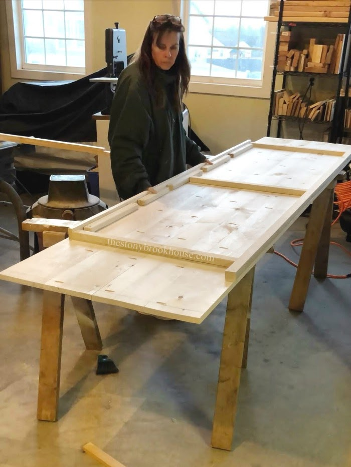 Building farmhouse desk