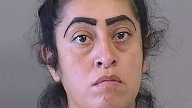 """URGENTE: Mamá de niña de 12 años que se embarazó de hombre de 24 es arrestada """"Soy buena MADRE"""""""