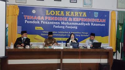 Meningkatkan Mutu dan Kualitas Tenaga Pendidik dan Kependidikan, MA KMM Padang Panjang Adakan Lokakarya