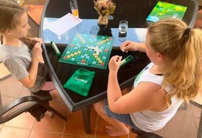 Scrabble SA - girls playing