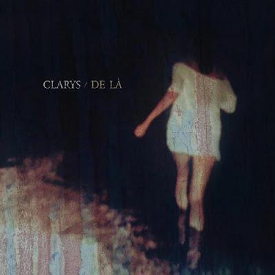 """Avec l'album """"De Là"""", l'univers dans lequel nous invite Clarys est des plus séduisants."""