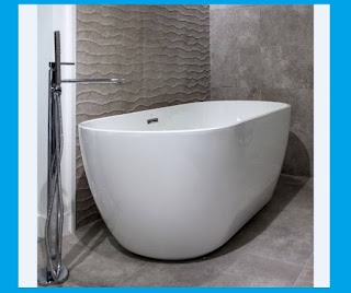Minimalist soaking tub