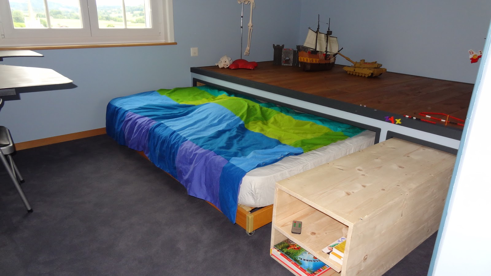 mes travaux chambre enfant avec estrade. Black Bedroom Furniture Sets. Home Design Ideas