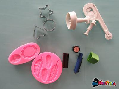 utensili alternativi per modellare le paste sintetiche che essiccano all'aria