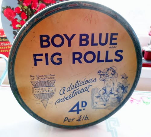 boy blue fig rolls tin