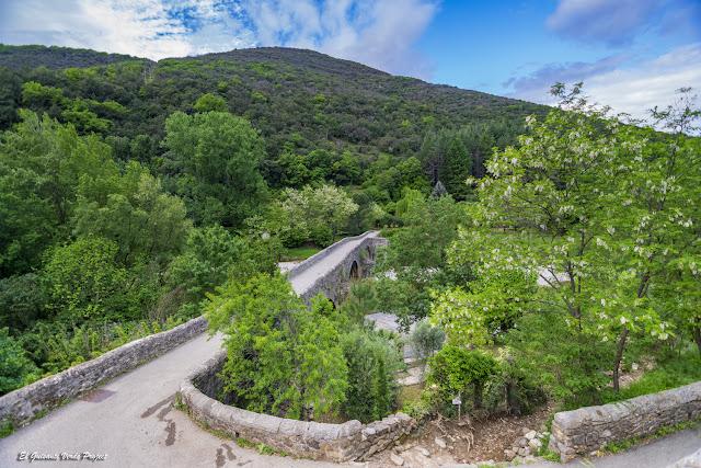 Alrededores del Pont des Camisards, Mialet - Francia, por El Guisante Verde Project