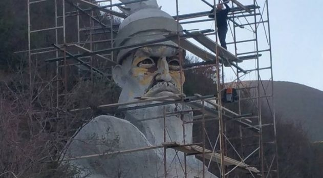 Grandiose monument of Skanderbeg is erected in Fushë Labinot