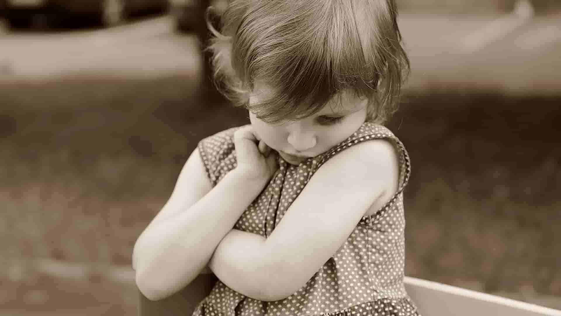 Mengenal-Penyebab-Anak-Pemalu-dan-Cara-Mengatasinya
