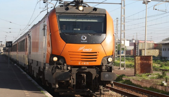 قطار يدهس ثلاثيني بمحطة سطات ويرسله إلى المستعجلات