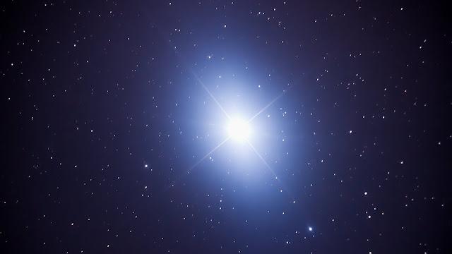 10 Fakta Unik Bintang Vega, Dan Harus Kamu Tahu