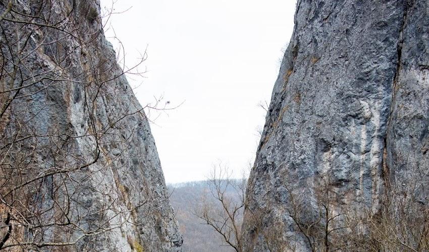 """Един ден в Трънско - ждрелото на река Ерма и скалният параклис """"Св. Петка"""""""