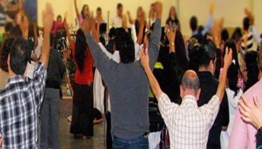 Colombia pedirá antecedentes penales a pastores