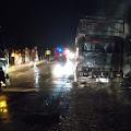 Mobil Angkutan Kayu Olahan Terbakar