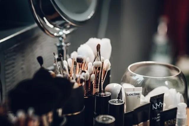 كوني حذرة ، فبعض مستحضرات التجميل تمنع عمل الهرمونات