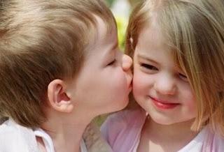 Arti Mimpi Mencium dan Ciuman