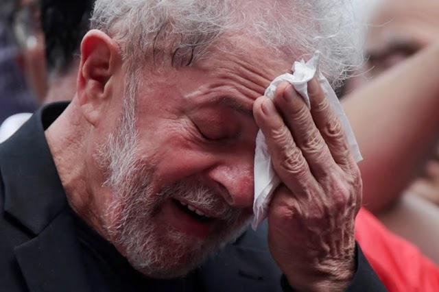 O relator da operação Lava Jato no Tribunal Regional Federal da 4ª região (TRF-4) , João Pedro Gebran Neto, aumentou a pena do ex-presidente Luiz Inácio Lula da Silva de 12 anos e 11 meses da condenação inicial para 17 anos