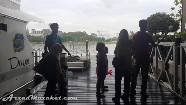 Cruise Tasik Putrajaya Family Wefie