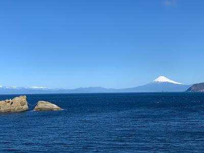 雲見の牛着岩と富士山