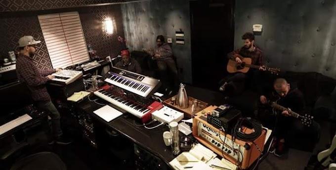 Linkin Park Stüdyo Yolları Taştan