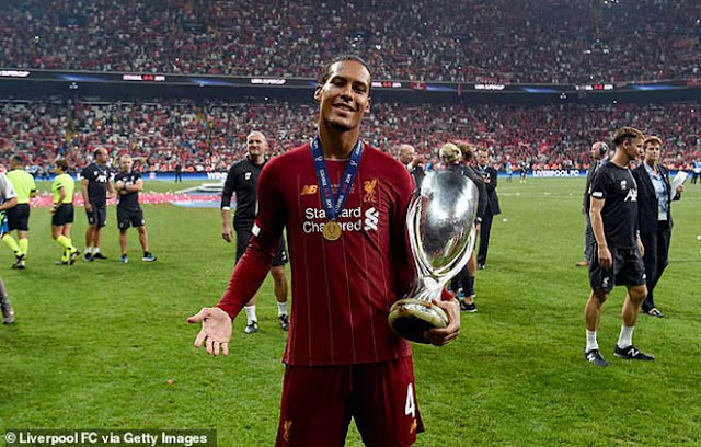 Cầu thủ hay nhất UEFA 2019: Siêu hậu vệ Van Dijk đấu 2 siêu nhân Ronaldo - Messi 2