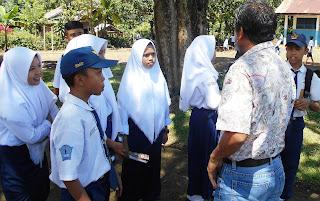 Pelibatan masyarakat bagian dari manajemen berbasis sekolah