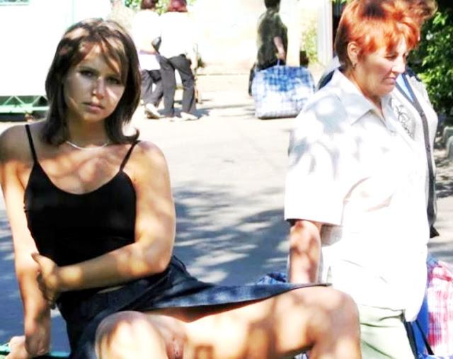 Эротика на улице пися WWW.EROTICAXXX.RU письки девушек на улице (18+ фото)
