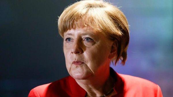 Desacuerdos entre partidos alemanes tambalean futuro de Merkel