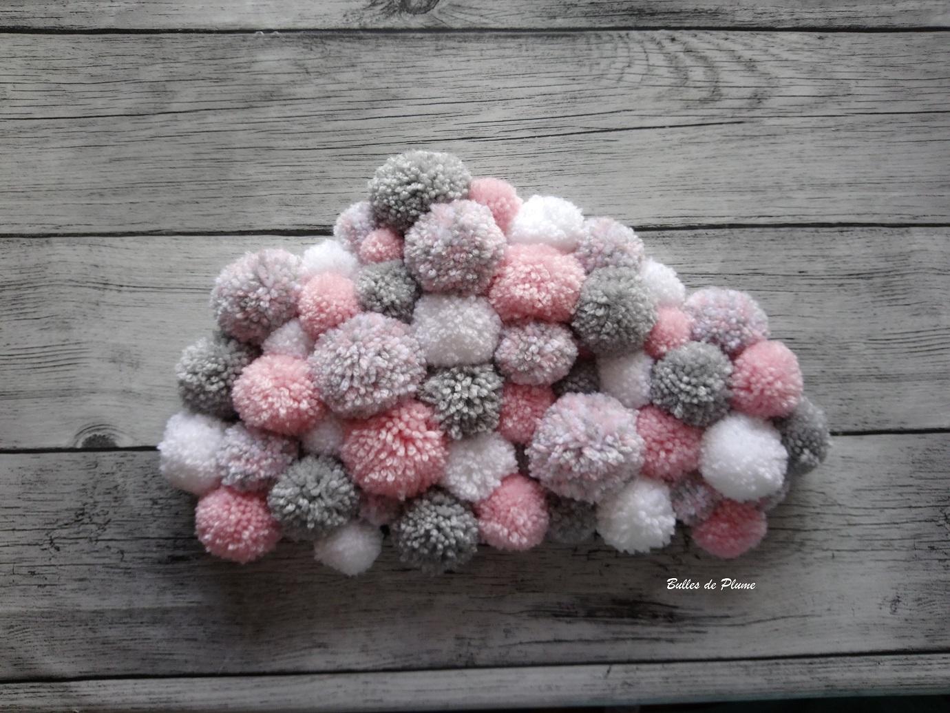 bulles de plume diy nuage pompons