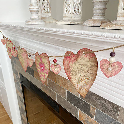 Simple Vintage-Style Valentine Heart Banner