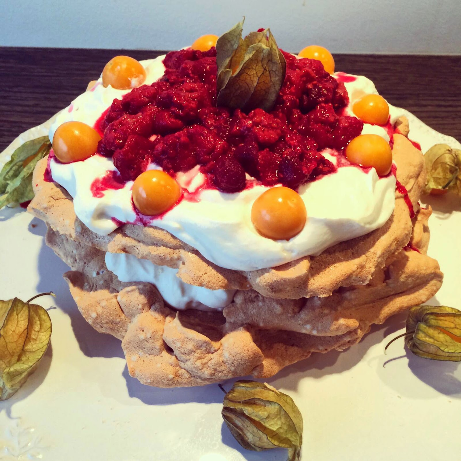 home-made-raspberry-pavlova-cake