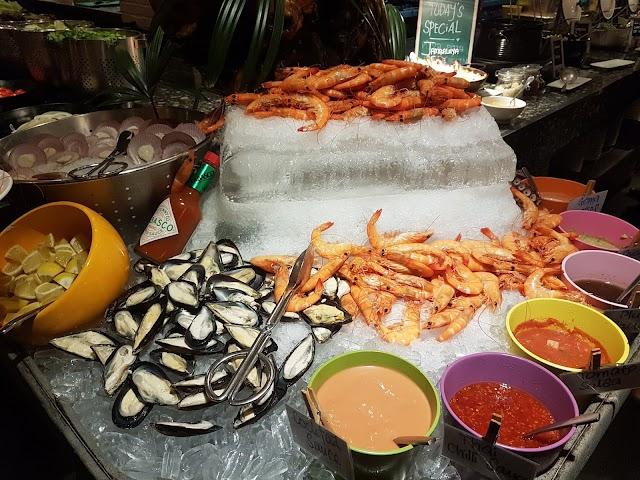 Jom makan seafood & grill yang segar di Cafe BLD, Renaissance Johor Bahru Hotel