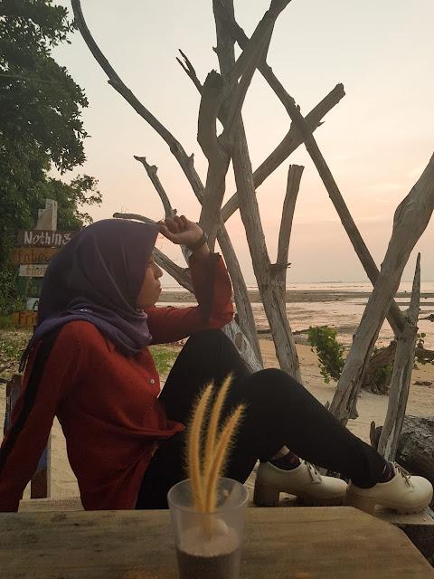 Menikmati Senja di Muna Nori Cafe Bintan