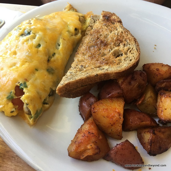omelette at Tomate Cafe in Berkeley, California