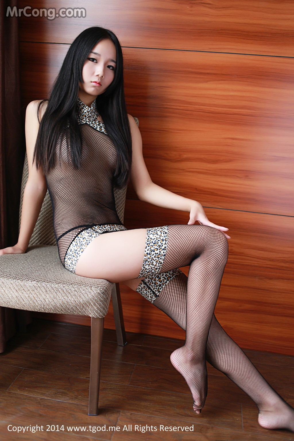 TGOD 2014-12-05: Model 爱吃鱼的悠悠 (52P)