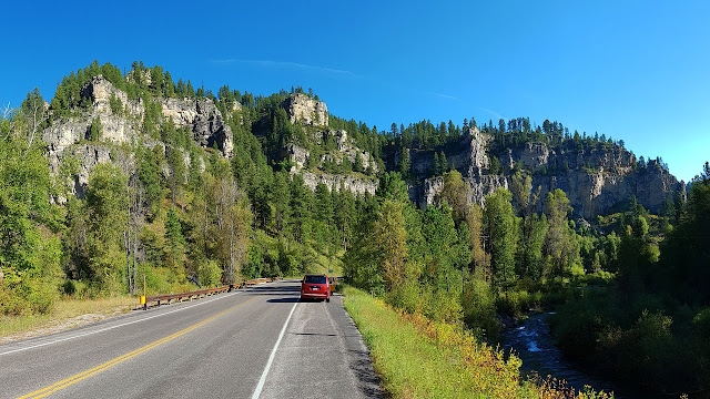 The walls of Spearfish Canyon...