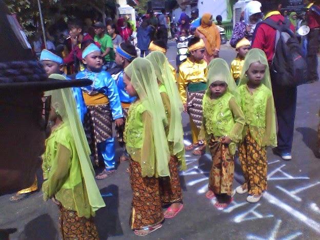SDN Saringembat 3 ikut karnaval kecamatan singgahan tuban 2014