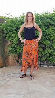 falda naranja verano