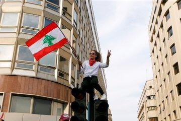 #لبنان يقول كلمته 🇱🇧 لقطات من المظاهرات الغاضبة المندلعة في البلاد