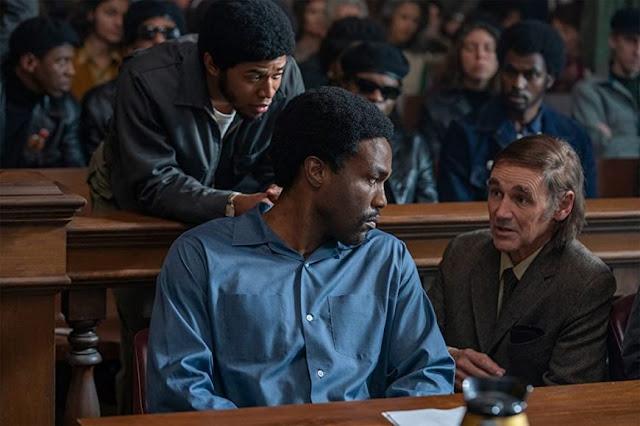 Kelvin Harrison Jr., Yahya Abdul-Mateen II y Mark Rylance. Fotograma de Netflix.