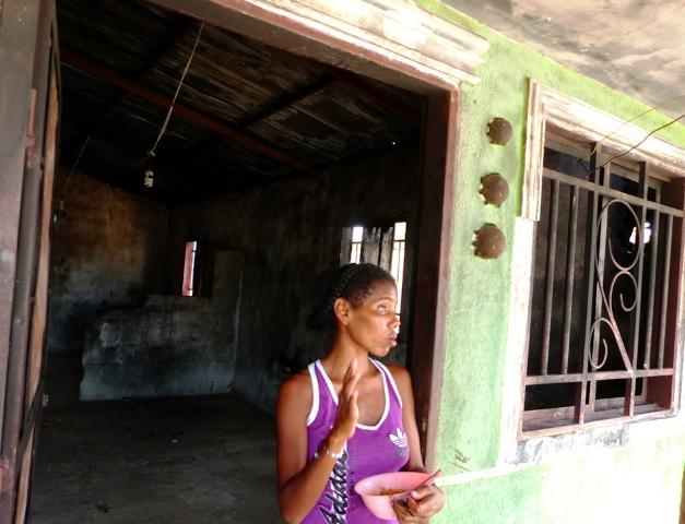 Extraen  por cesárea al bebé de joven quemada junto a familiares en La Villa