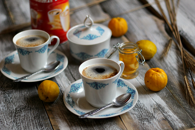 Kawa zbożowa z pigwowcem. Idealna na rozgrzanie i przeziębienie.